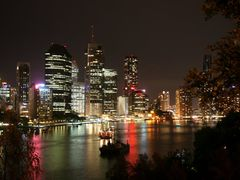 River City: Brisbane and Town Reach by <b>Ian Stehbens</b> ( a Panoramio image )