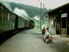 Bahnhof Heimbuchenthal by <b>Viola sonans</b> ( a Panoramio image )