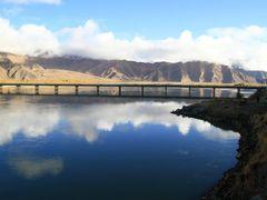 Yalong River in Tibet, origin of Bramaputra by <b>matsljungberg</b> ( a Panoramio image )