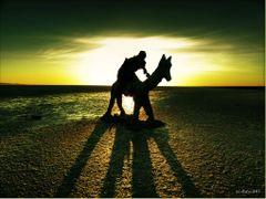Statue aus Salz in der Tunesischen Salzwuste by <b>olafju</b> ( a Panoramio image )