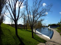 PARQUE DOS POETAS- PORTUGAL by <b>Isabel  R. Marques</b> ( a Panoramio image )