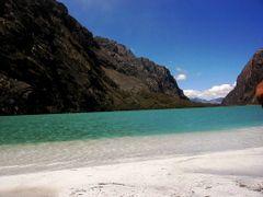 Laguna Altoandina que Parece Playa Caribena by <b>Bernardo Nieuwland</b> ( a Panoramio image )