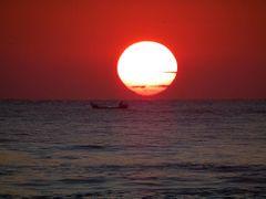 Um belo amanhecer em Matinhos by <b>Eliton Sloma</b> ( a Panoramio image )