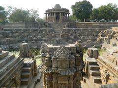Step Well, Surya Mandir (Sun Temple) - Modhera by <b>Manoo G</b> ( a Panoramio image )