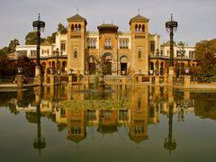 Pabellon Mudejar en Sevilla by <b>ТАЈГА</b> ( a Panoramio image )