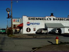 """Shemwell""s BBQ"" #1 in Cairo- est. 1946   (only 2 restaurants in by <b>Tomros</b> ( a Panoramio image )"