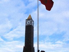 Tunis clock tower in Habib Bouguiba Avenue by <b>Sonya Brunt</b> ( a Panoramio image )