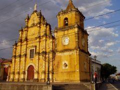 Iglesia de La Recoleccion, en Leon, Nicaragua by <b>luis serichol</b> ( a Panoramio image )