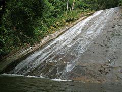 Cachoeira Veu da Noiva em Camorim by <b>Halley Oliveira</b> ( a Panoramio image )