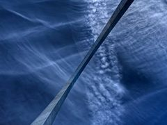 "Things are ""looking up""!  The fabulous Gateway Arch at St. Louis by <b>stargazerherman</b> ( a Panoramio image )"