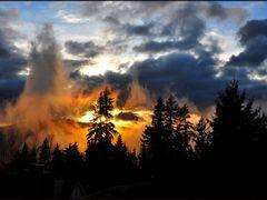 Sunset above Simon Fraser University by <b>Gabor Retei</b> ( a Panoramio image )