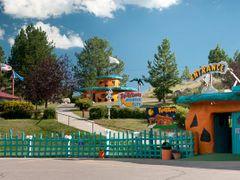 Flintstones Bedrock City by <b>Gerald C. Vogel</b> ( a Panoramio image )