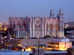 Vista del Expiatorio desde Edificio Hidalgo by <b>? ? galloelprimo ? ?</b> ( a Panoramio image )