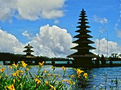 """ Puru Ulun Danau "" - - The "" Lake Bratan "" (Puru Danau Bratan)  by <b>whatawonderfulworld</b> ( a Panoramio image )"