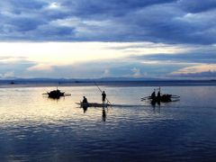 A cloudy morning fishing by <b>francinelb3</b> ( a Panoramio image )