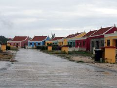 Colourful new houses near Calbas by <b>Jos_S</b> ( a Panoramio image )