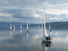 Sailboats on lake Mj?sa by <b>widdeni - YES to Panoramio</b> ( a Panoramio image )