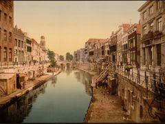 The Oude Gracht Viebrug, Utrecht, Holland by <b>Erik van den Ham</b> ( a Panoramio image )