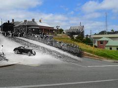 Hell Corner, Parade St & Stirling tce. 1936 & 2012 by <b>GasGasL€X</b> ( a Panoramio image )
