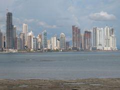 Panama, ciudad by <b>reydelparamo</b> ( a Panoramio image )