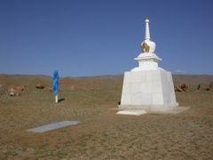 Chandman_budhistic_memorial by <b>kristynab</b> ( a Panoramio image )