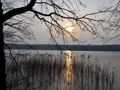 lake and the sun by <b>BernardJ47</b> ( a Panoramio image )