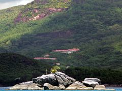 "Anse a la Mouche, Seychelles by <b>Pom""</b> ( a Panoramio image )"