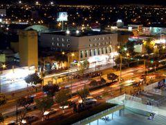 Paso Peatonal en Temporada de Feria por la Noche by <b>? ? galloelprimo ? ?</b> ( a Panoramio image )