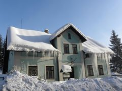 DOLNI MORAVA - hajovna / house forester by <b>votoja - CZ</b> ( a Panoramio image )