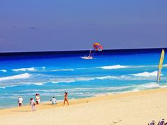 Cancun, Paraiso Azul / Cancun, Blue Paradise. by <b>galfer</b> ( a Panoramio image )