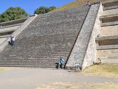 Sitio arqueologico de Cholula by <b>Mario Donati</b> ( a Panoramio image )