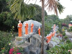 "Buddha""s followers by <b>Dr.Azzouqa</b> ( a Panoramio image )"