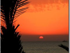 Goodbye Morocco (Crescent symbol) by <b>Maciejk</b> ( a Panoramio image )