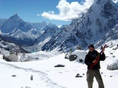Everest Trek-40-Vagabond with  the Guitar by <b>imagine.asia</b> ( a Panoramio image )
