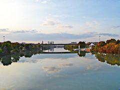 Reflejos en el rio Ebro, (Entre cielo... y cielo!:) by <b>CarmenT</b> ( a Panoramio image )