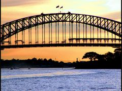 Sydney Harbour Bridge..© by leo1383 by <b>leo1383</b> ( a Panoramio image )