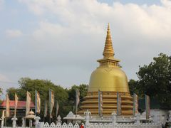 Golden temple stupa by <b>Dr.Azzouqa</b> ( a Panoramio image )