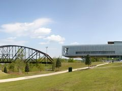Clinton Presidential Library Panorama by <b>James N Perdue</b> ( a Panoramio image )