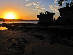 Jervis Bay, Hole In The Wall sunset mood by <b>Aussieboom</b> ( a Panoramio image )