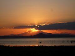 Rayos del sol sobre las nubes by <b>Jhimez</b> ( a Panoramio image )