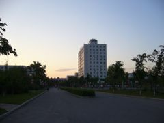 Administration Building at Dusk by <b>Zhang Chen</b> ( a Panoramio image )