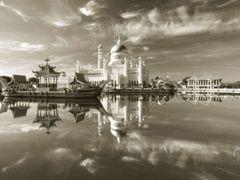 Sultan Omar Saifuddin Mosque Bandar Seri Begawan Brunei  by <b>Rene Fleischer</b> ( a Panoramio image )