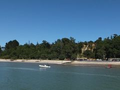 View of Shelly Beach, Kaipara Harbour, from the wharf by <b>Victor Rull</b> ( a Panoramio image )