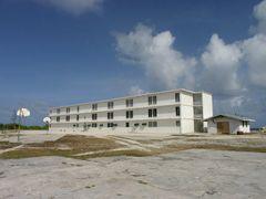 Enewetak elementary school by <b>nnoguci</b> ( a Panoramio image )