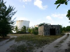 roadside enewetak by <b>nnoguci</b> ( a Panoramio image )