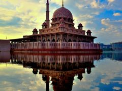 Putra Mosque by <b>En Ayr</b> ( a Panoramio image )
