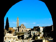 Matera beyond the arch by <b>Michele Miccoli</b> ( a Panoramio image )
