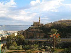 Cliffside Chapel Mgarr, Gozo by <b>G Kesmev</b> ( a Panoramio image )