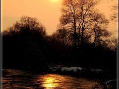 Lumi Vardar-Sunset by <b>Neim Sejfuli ?</b> ( a Panoramio image )