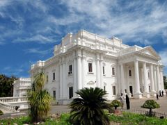 "Quaid-i-Azam library Lawrence garden lahore"" by <b>Hafeezmj</b> ( a Panoramio image )"